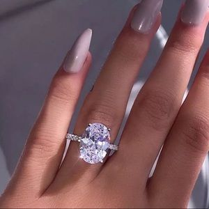 925 Silver Luxury White Sapphire Ring